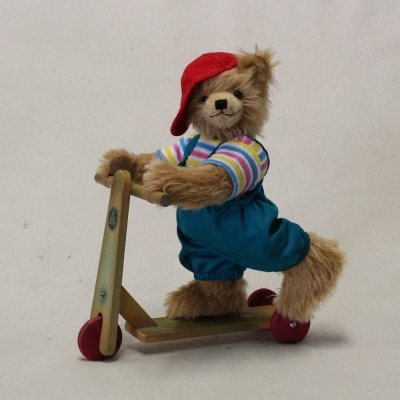 Scooter Rolfi 32 cm Teddy Bear by Hermann-Coburg