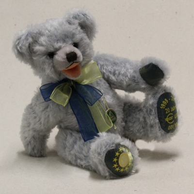 20 Jahre Euro 1999 - 2019 34 cm Teddy Bear by Hermann-Coburg