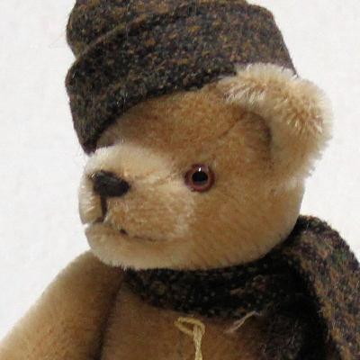 Club Bär 2006 19 cm Teddy Bear by Hermann-Coburg