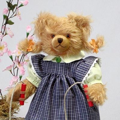 Hüpf-Liesel Teddy Bear by Hermann-Coburg