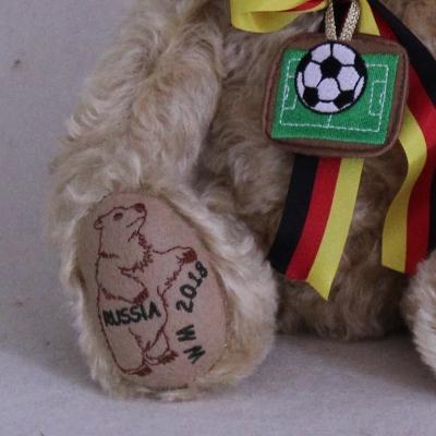 Deutscher Fan Bär WM 2018 35 cm Teddybär von Hermann-Coburg