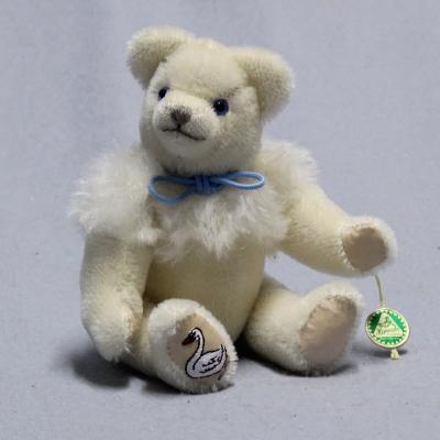 Club Bär 2018 – Schwanenbär 19 cm Teddy Bear by Hermann-Coburg