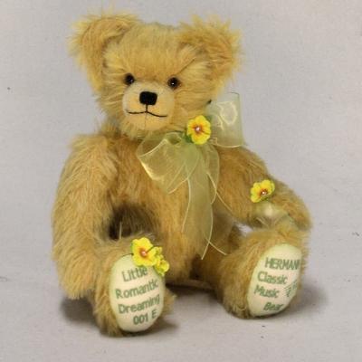 Little Romantic Dreaming 35 cm Teddybär von Hermann-Coburg
