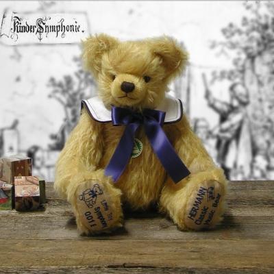Kleine Toy Symphony Teddybär von Hermann-Coburg