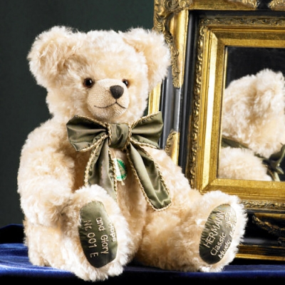 Hope and Glory Teddy Bear by Hermann-Coburg