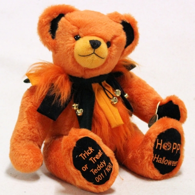 Trick or Treat Teddy - Halloween 2019 41 cm Teddy Bear by Hermann-Coburg