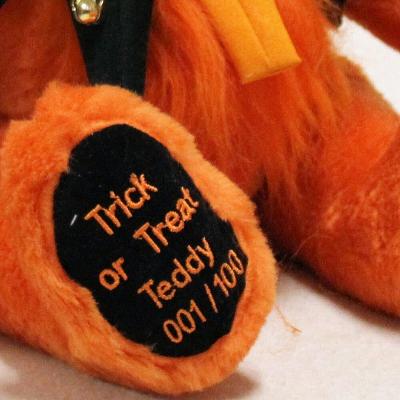 Trick or Treat Teddy - Halloween 2019 41 cm Teddy Bear by Hermann-Coburg