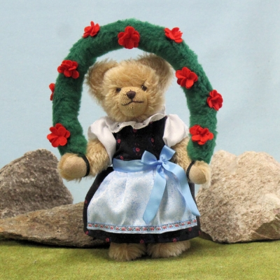 Bavarian Oktoberfest Folklore Girl Anni 26 cm Teddy Bear by Hermann-Coburg