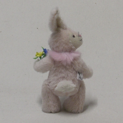 Ein kleiner Frühlingshase 19 cm Teddy Bear by Hermann-Coburg