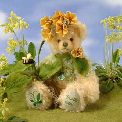 Schlüsselblume - Cowslip Teddy Bear by Hermann-Coburg