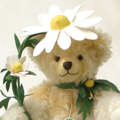 German Camomile - Echte Kamille Teddy Bear by Hermann-Coburg