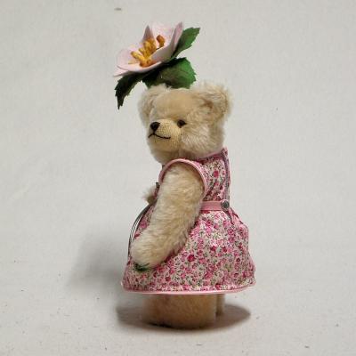Little Flower Girl with little Wild-Rose 23 cm Teddy Bear by Hermann-Coburg