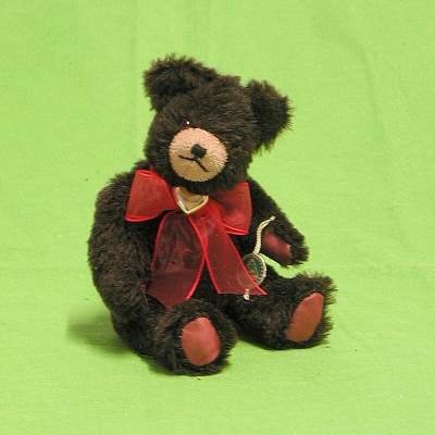 Little Bear with golden Heart 19 cm Teddy Bear by Hermann-Coburg