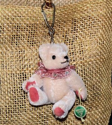 Teddy-Pendant delicate pink Miniature- Mohair-Teddy Piccolo 11 cm Teddy Bear by Hermann-Coburg