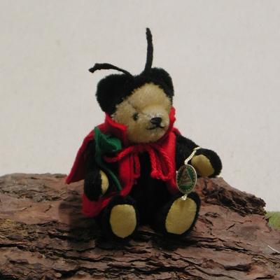 Glücksbringer Marienkäfer 14 cm Mohair  Teddybär von Hermann-Coburg