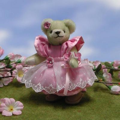 Little Cherry Blossom 15 cm Teddy Bear by Hermann-Coburg
