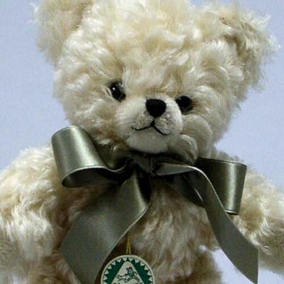 Mohairbärchen Florian Teddy Bear by Hermann-Coburg