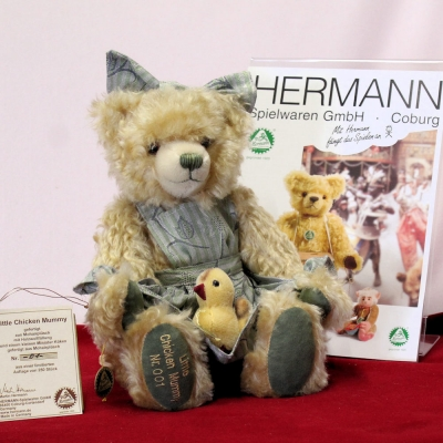 Kleiner Grashüpfer 12 cm Teddy Bear by Hermann-Coburg