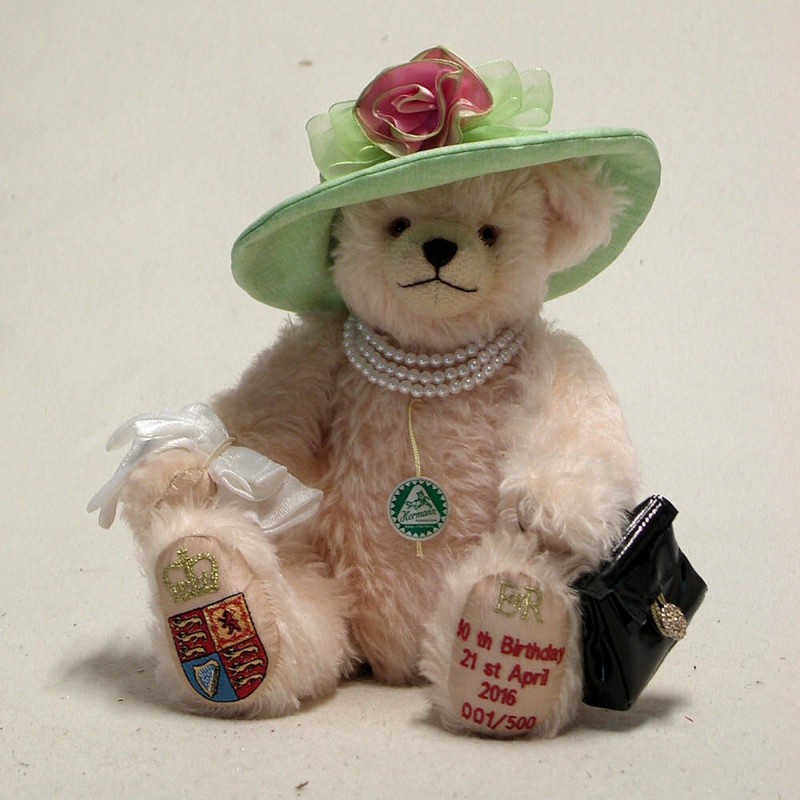 HM Queen Elizabeth II 90th Birthday Celebration Bear 35 Cm Teddybar Von Hermann Coburg