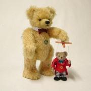 19. Sonneberger Museumsbär 2012 Teddybär von Hermann-Coburg