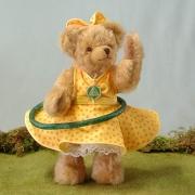 Hula Hoop Bär – gelb 4. in der Reihe Sommerspiele 30 cm Teddy Bear