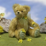 Little Romantic Dreaming 35 cm Teddy Bear by Hermann-Coburg