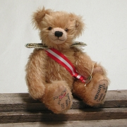 Radetzky Marsch 35 cm Teddy Bear by Hermann-Coburg