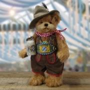 Oktoberfest BearEin Prosit der GemuetlichkeitTeddy Bear by HERMANN-Coburg