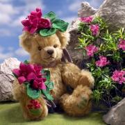 Alpenrose - Alpine Rose Teddybär von Hermann-Coburg