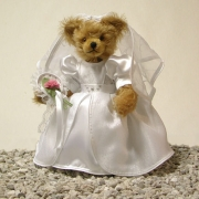 Hochzeitsbär - Braut Teddy Bear by Hermann-Coburg