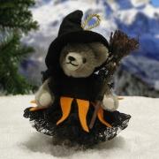 Kleine Hexe Teddybär von Hermann-Coburg