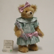 Kleiner Advents Bear 1st. December 29 cm Teddy Bear by Hermann-Coburg