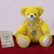 Faschings-Mädel Puppilein 18 cm Teddy Bear by Hermann-Coburg